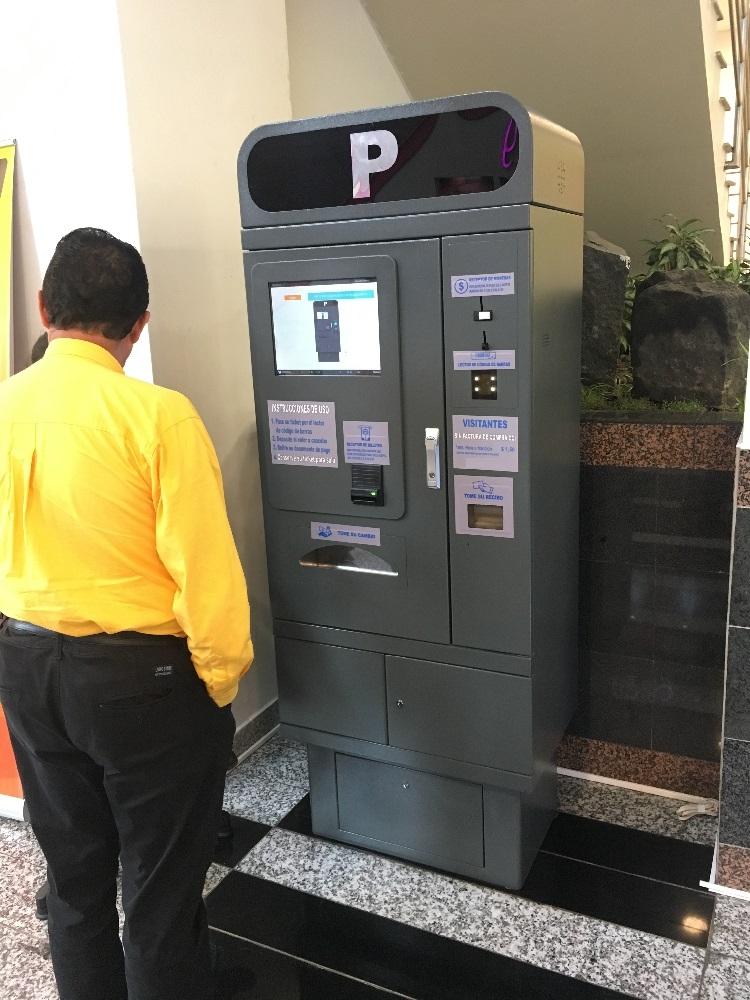 Ecuador parking